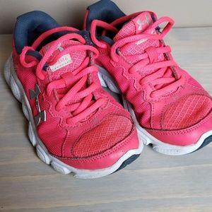 Under Armour hot pink girls tennis shoes sz 12
